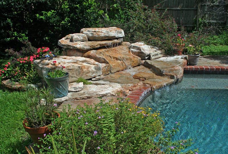 Tennessee ledger swimming pool waterfall kit ricorock for Cascadas de piedra artificial para piscinas