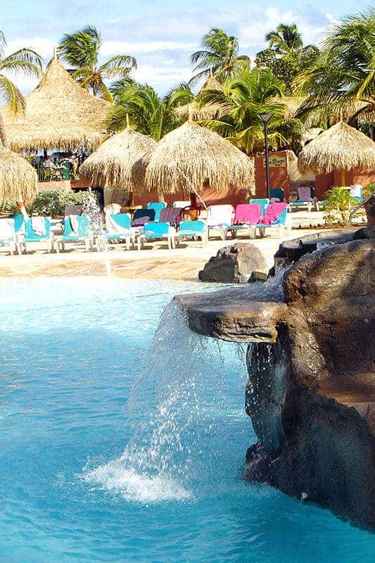 Waterfall side view at the Radisson Aruba