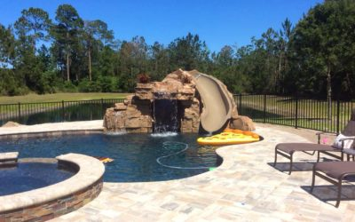 RicoRock Component Grotto with Slide Enclosure in FL