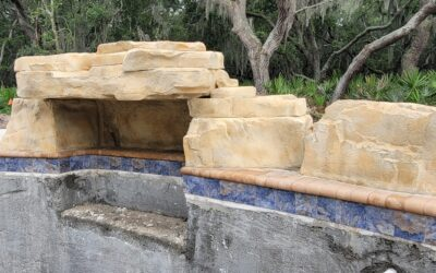 RicoRock Loveseat Grotto with Extra Boulder
