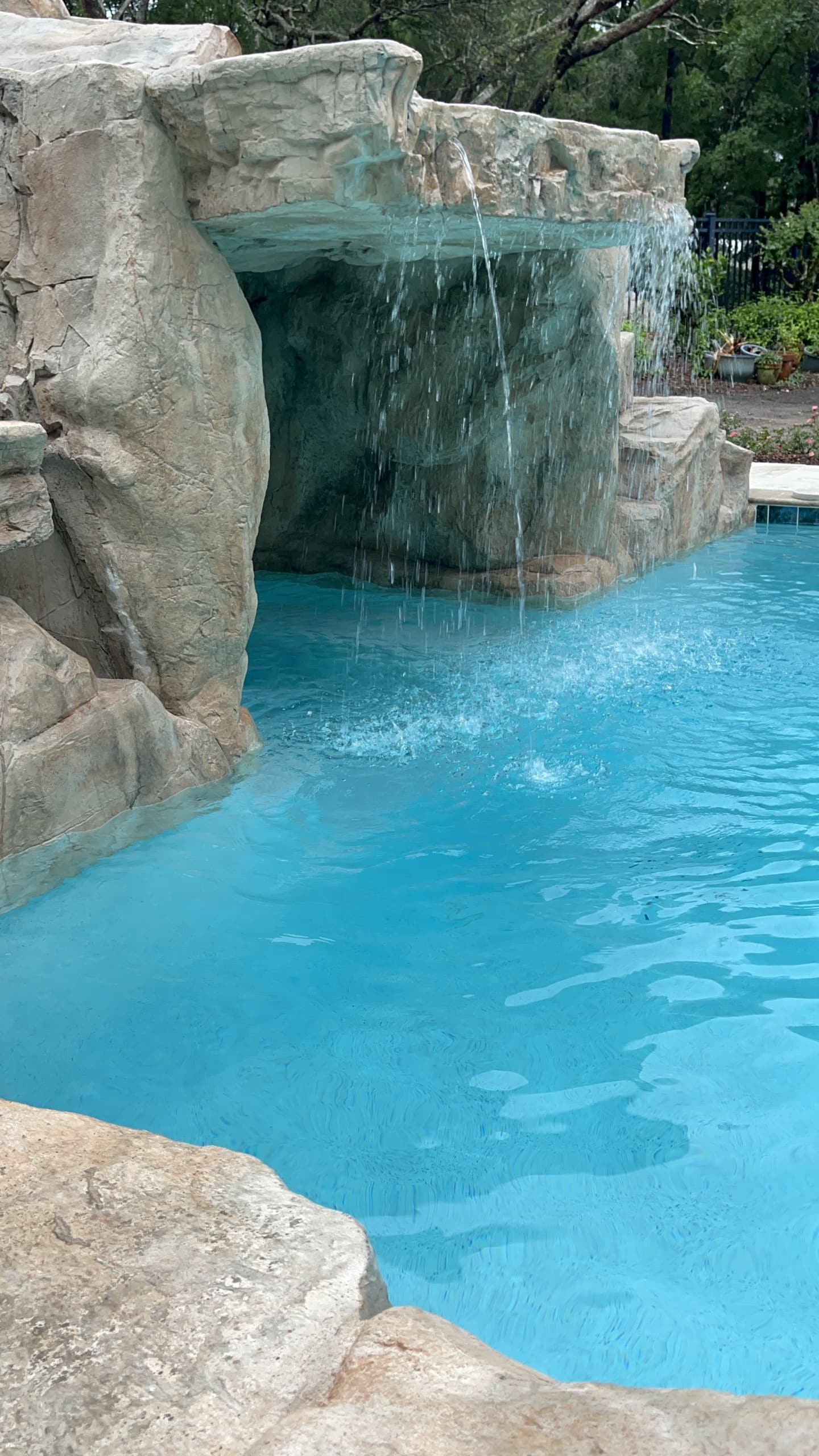 faux rock grotto spa 0400 scaled